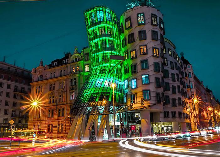Ночью Прага выглядит еще лучше, ведь большинство туристов спит!