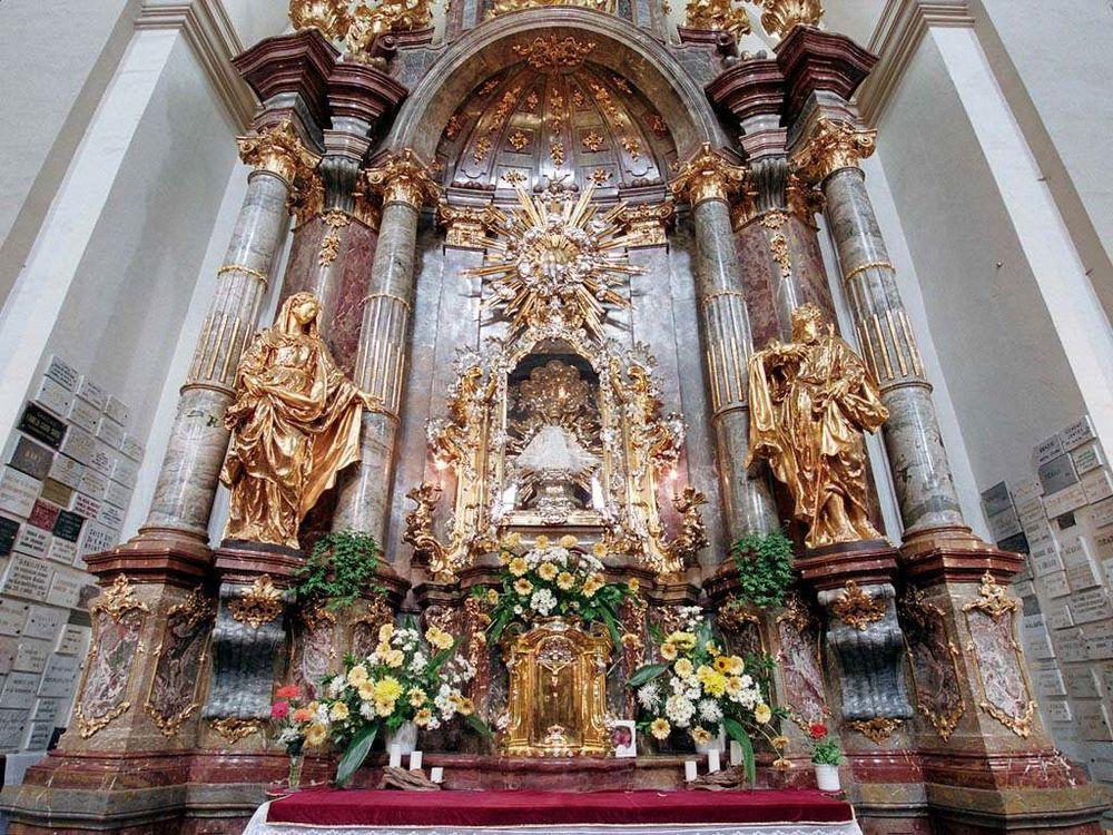 храм Девы Марии Победоносной в Праге